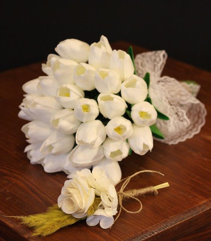Beyaz Lale Gelin Çiçeği