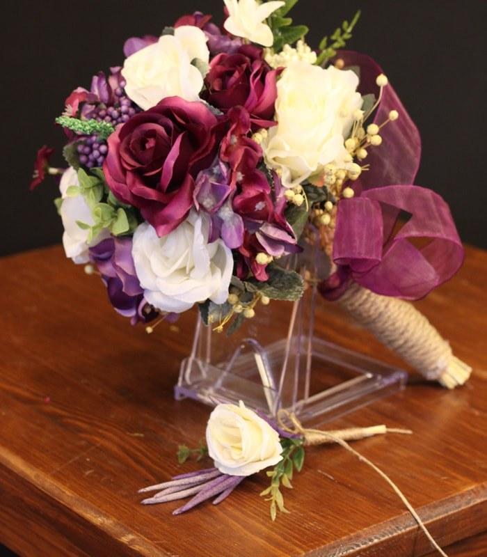 Mor Beyaz Gelin Çiçeği