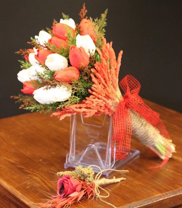 Kırmızı Beyaz Lale Gelin Çiçeği